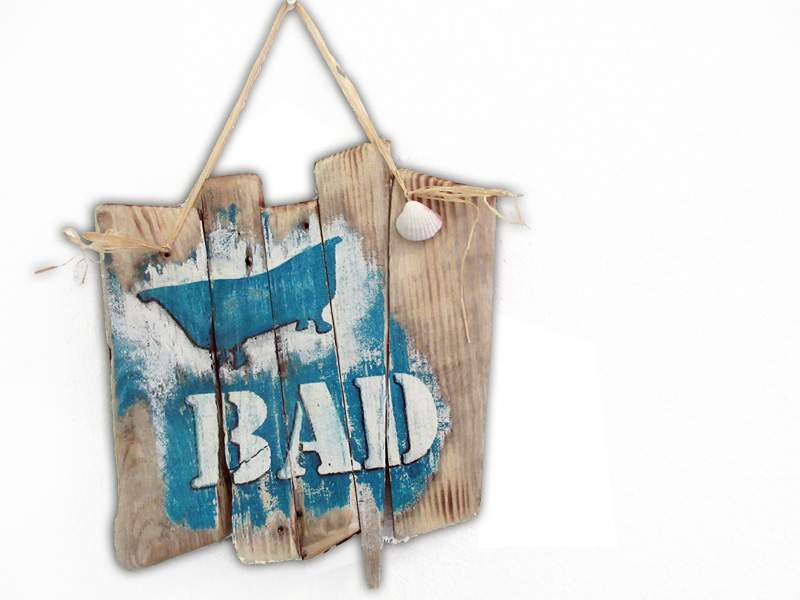 "Holzschild ""Bad"" aus Treibholz"