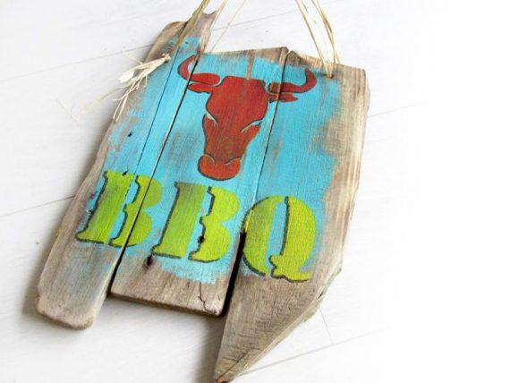 """Holzschild """"BBQ"""" von Shabby Surf Art im Vintage-Look"""