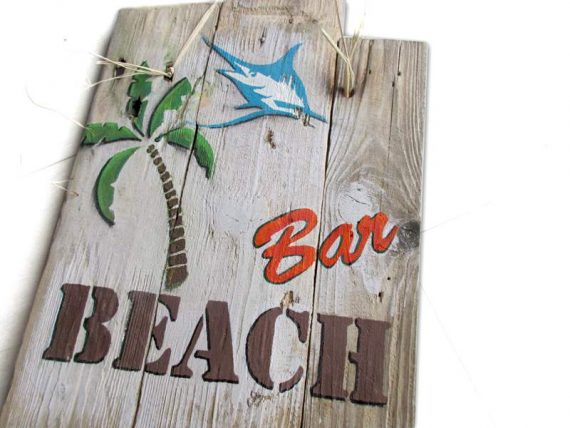 "Holzschild ""Beach Bar"" von Shabby Surf Art im Vintage-Look"