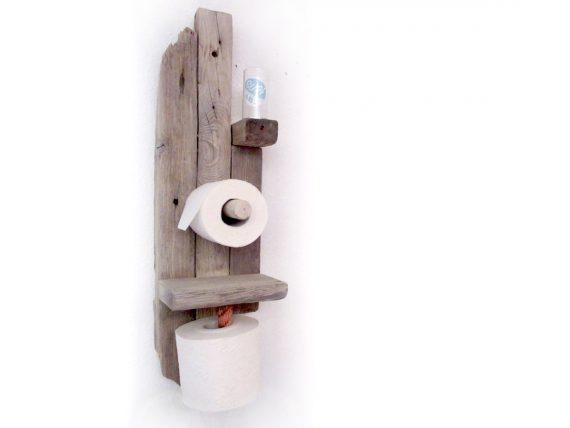 Für das Strandgefühl im eigenen Bad: Praktischer Toilettenpapierhalter aus Treibholz von Shabby Surf Art