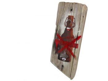 """Wandhängender Flaschenöffner """"No Beugelbuddels"""" aus Treibholz von Shabby Surf Art"""